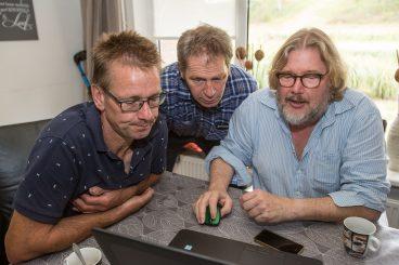 Martin Meijer (L) in bespreking met Thomas Been (R) en Jean-Marie Michielsen(M) van de WUR