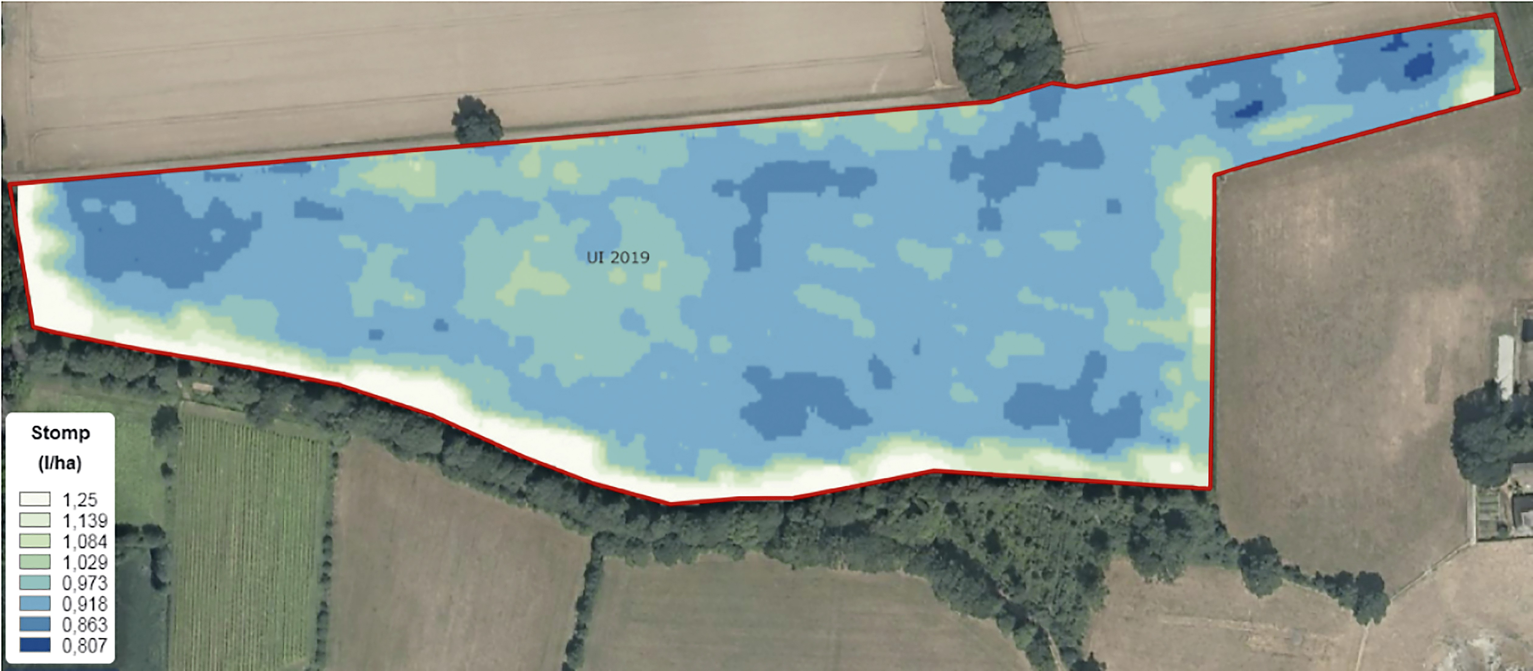 In deze kaart is op basis van de organischestof in de bodem een potentiële variatie in de dosering te zien van 0,807 – 1,25 L Stomp per ha. De kaart is te fijnmazig is voor een 33 meter spuit die alleen op boombreedte kan variëren