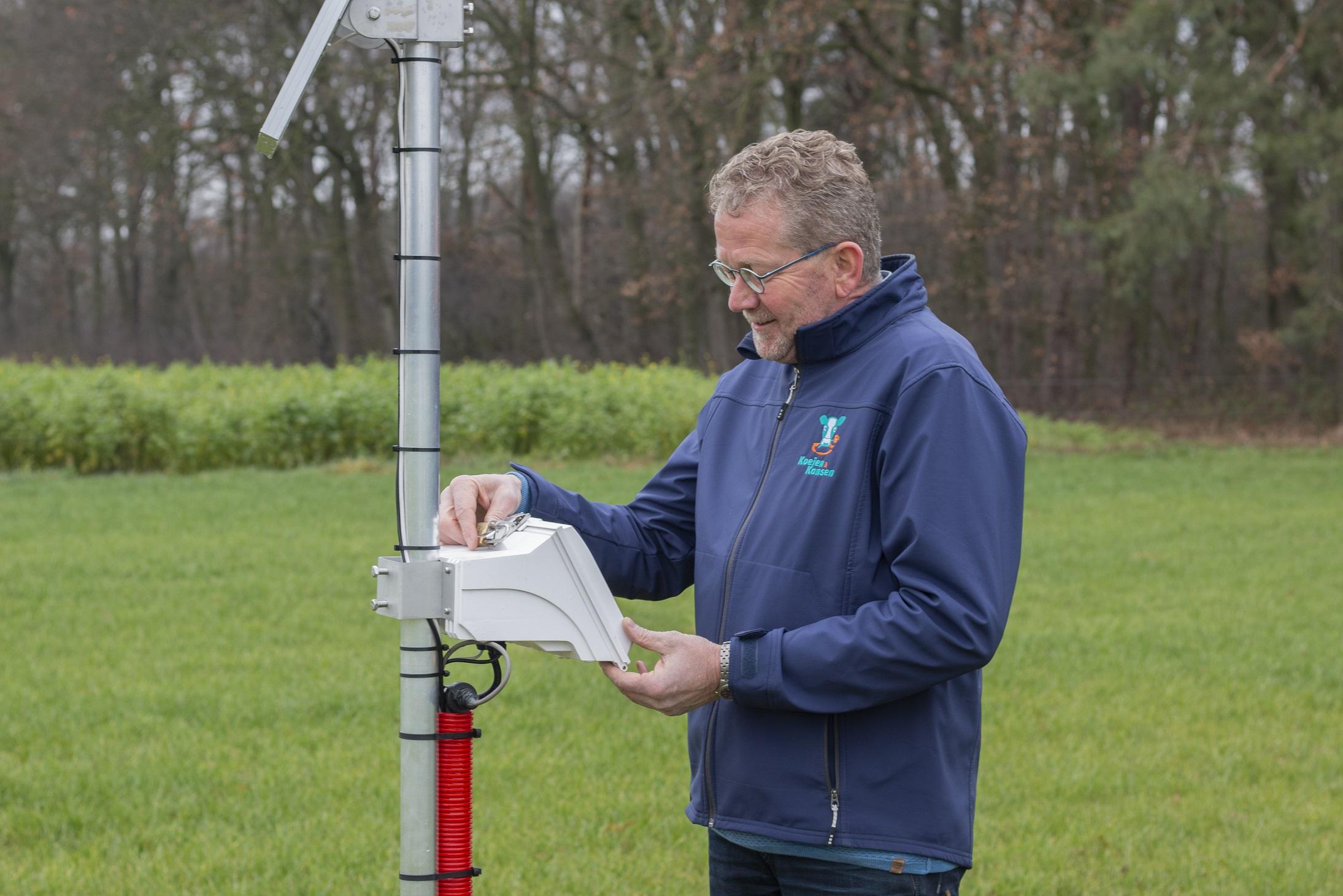 Zwier van der Vegte, Melkveeproefbedrijf De Marke, Hengelo (Gld.) Zwier met sensor.